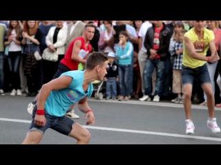 Crazy Jump 100% - танцы на улице
